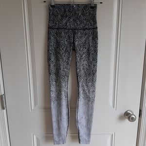 Lululemon Hi Rise Wunder Under Leggings Size 4